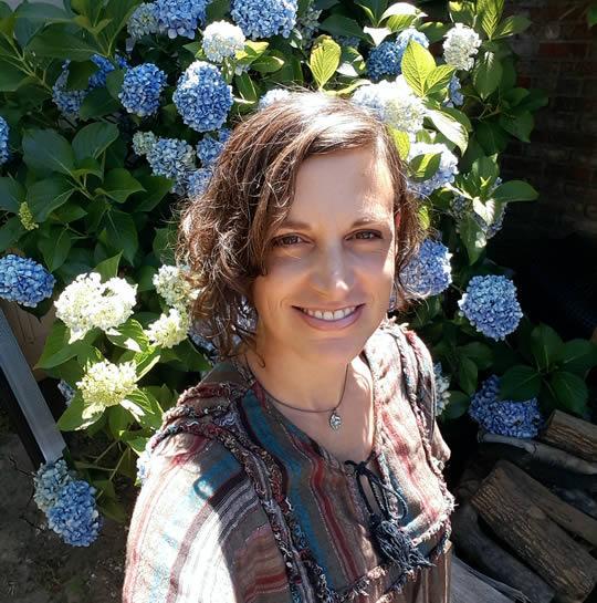 Diviner Sarah Wieland